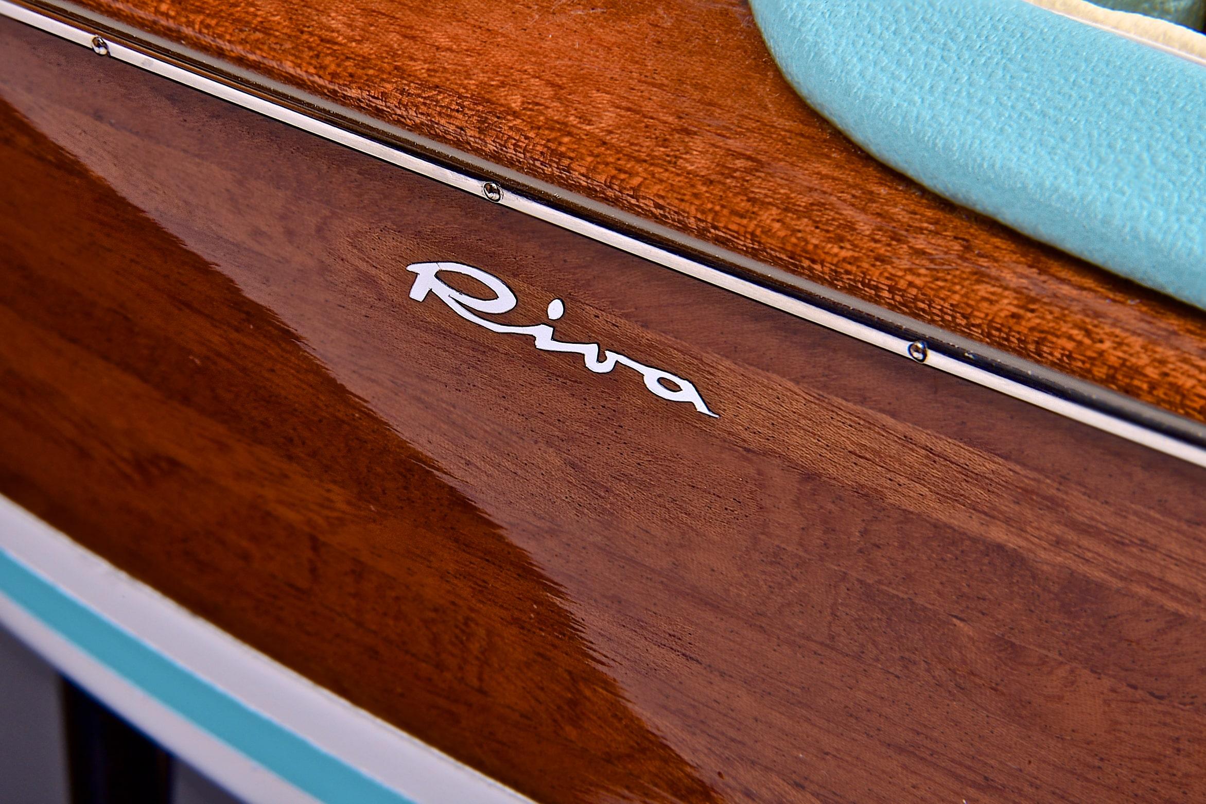 Riva Super Aquarama Model Boat (Superior Range) - PSM