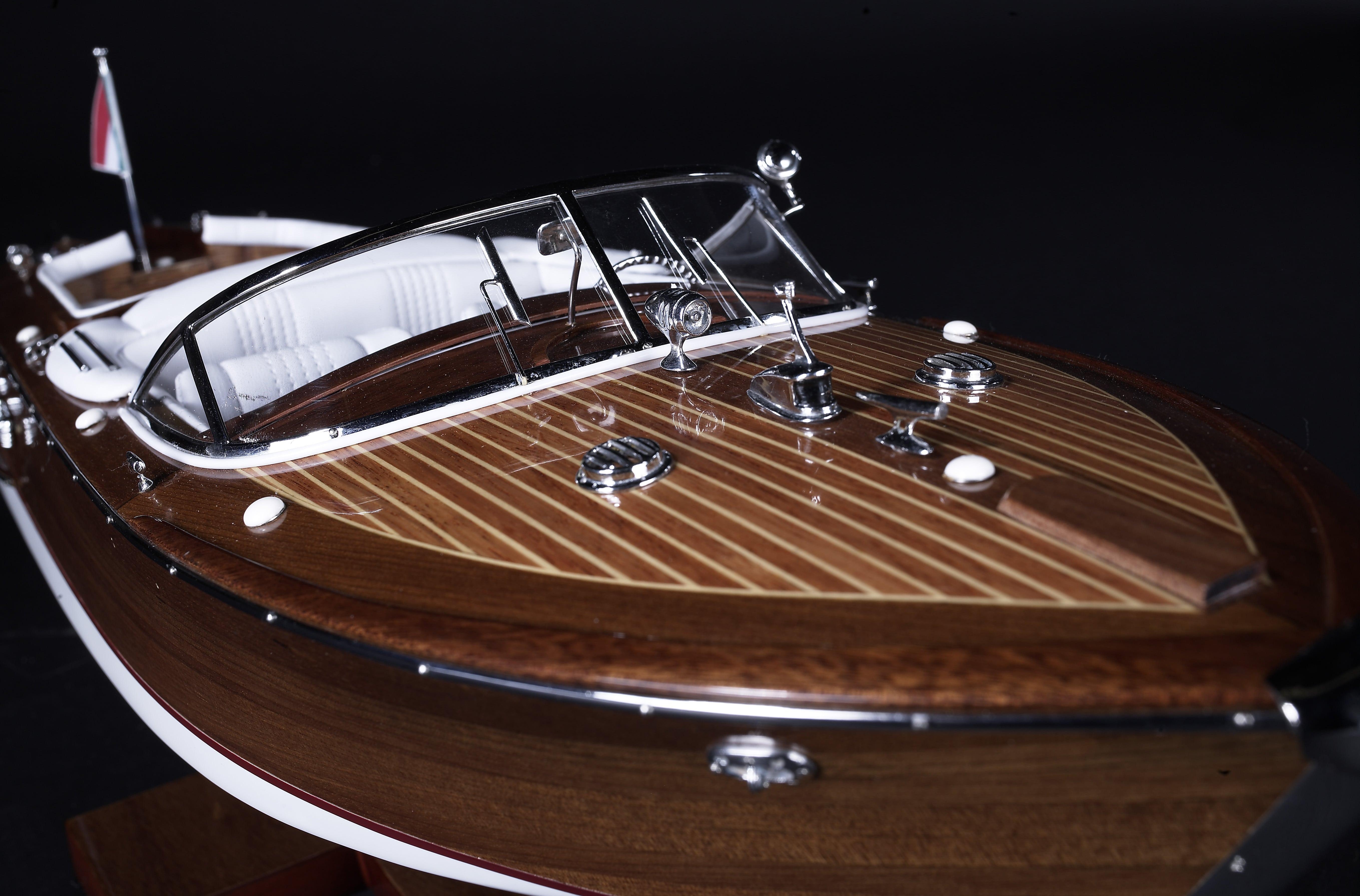 Riva Aquarama Model Boat (Standard Range) - Authentic Models (AS182)