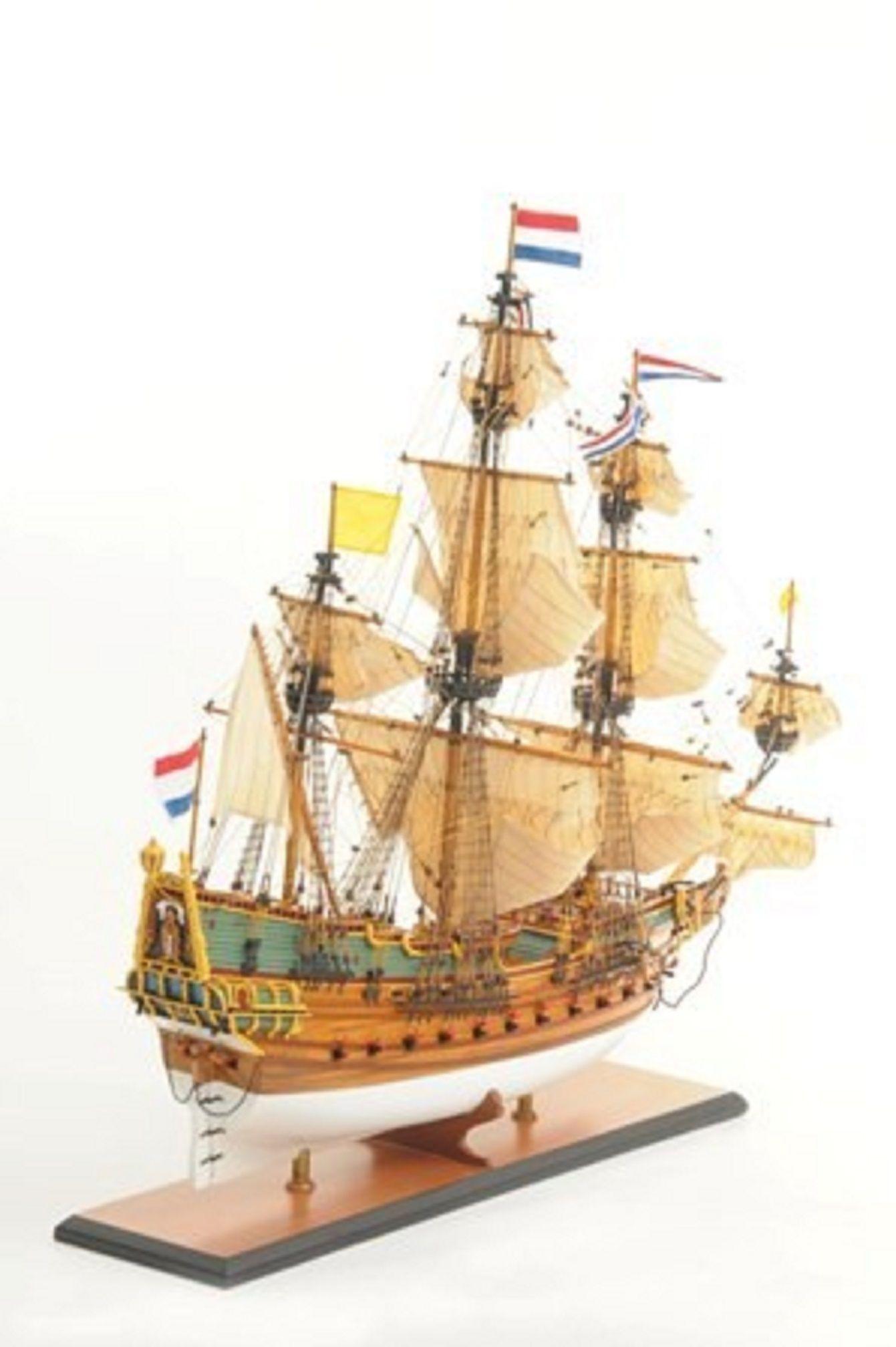 1057-7804-Batavia-model-ship-Superior-Range