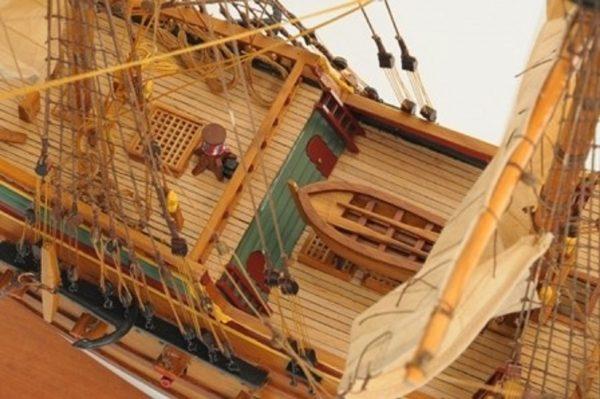 1057-7810-Batavia-model-ship-Superior-Range