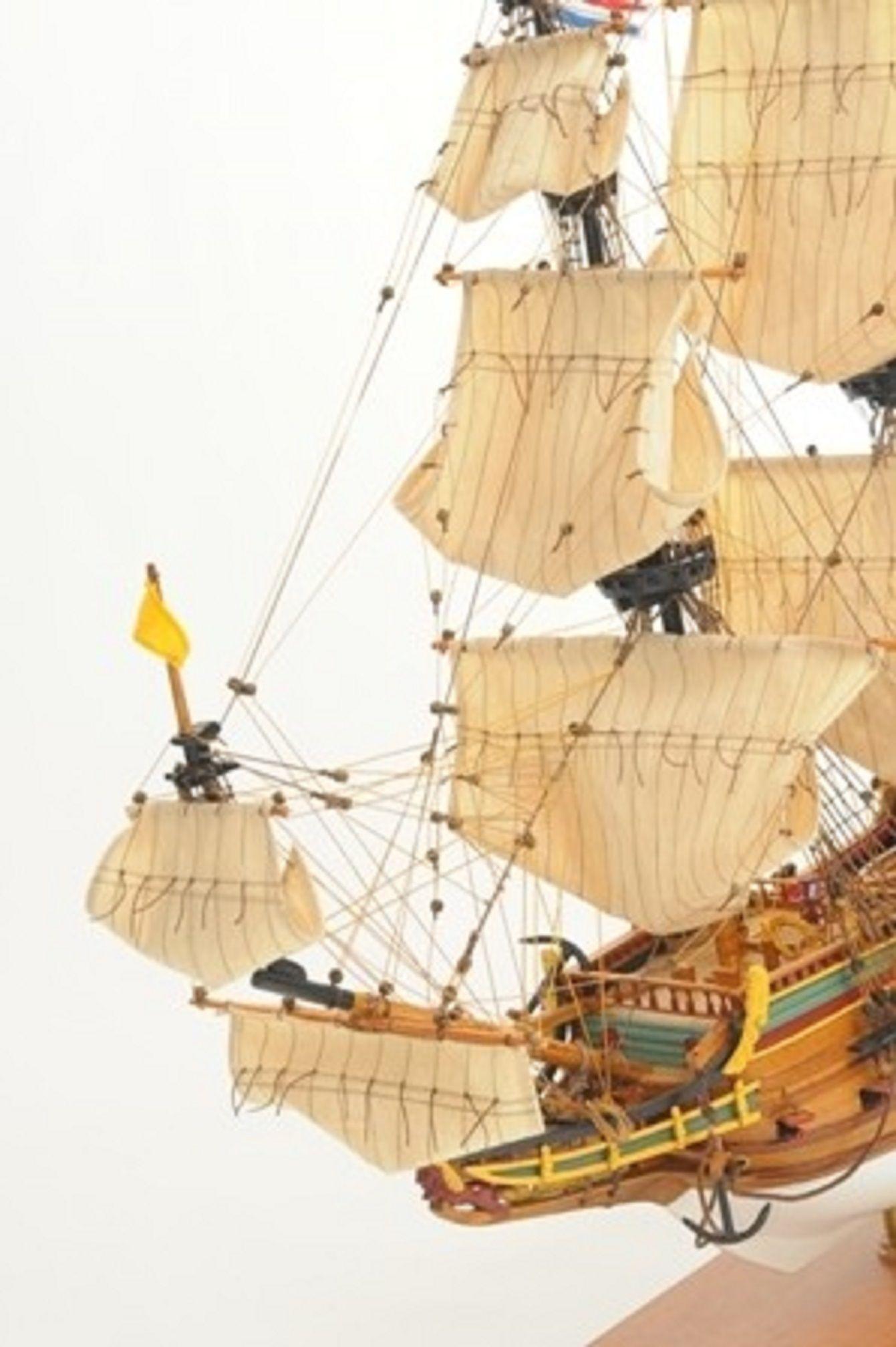 1057-7815-Batavia-model-ship-Superior-Range