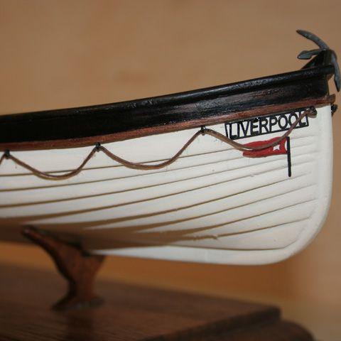 1139-7963-Titanic-Lifeboat-Kit