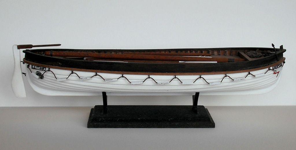 1139-7965-Titanic-Lifeboat-Kit