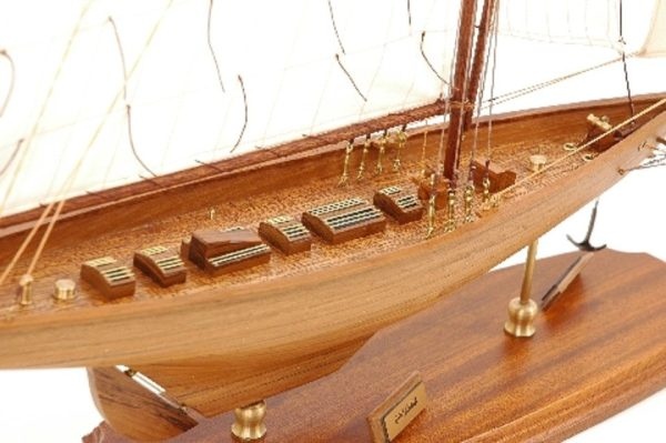 117-8447-Britannia-model-yacht-Superior-Range