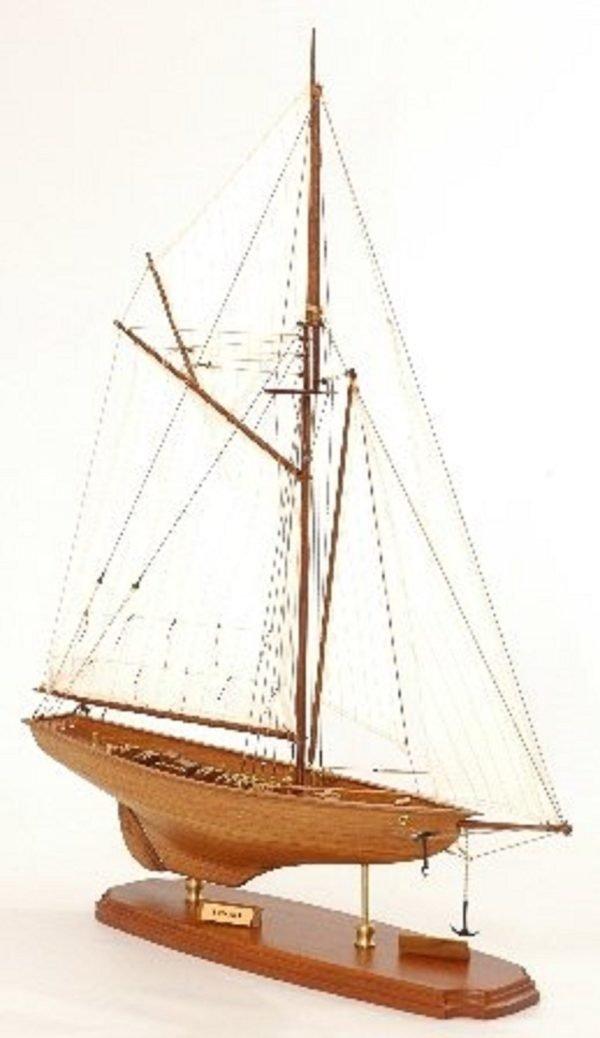 117-8448-Britannia-model-yacht-Superior-Range