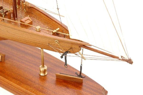 117-8449-Britannia-model-yacht-Superior-Range