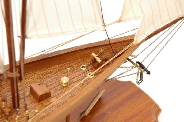 117-8450-Britannia-model-yacht-Superior-Range