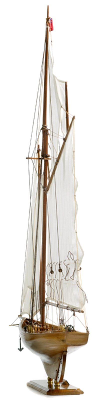 117-8452-Britannia-model-yacht-Superior-Range