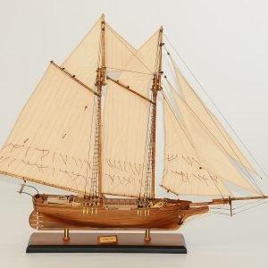 122-8271-Flying-Fish-Model-Ship-Superior-Range