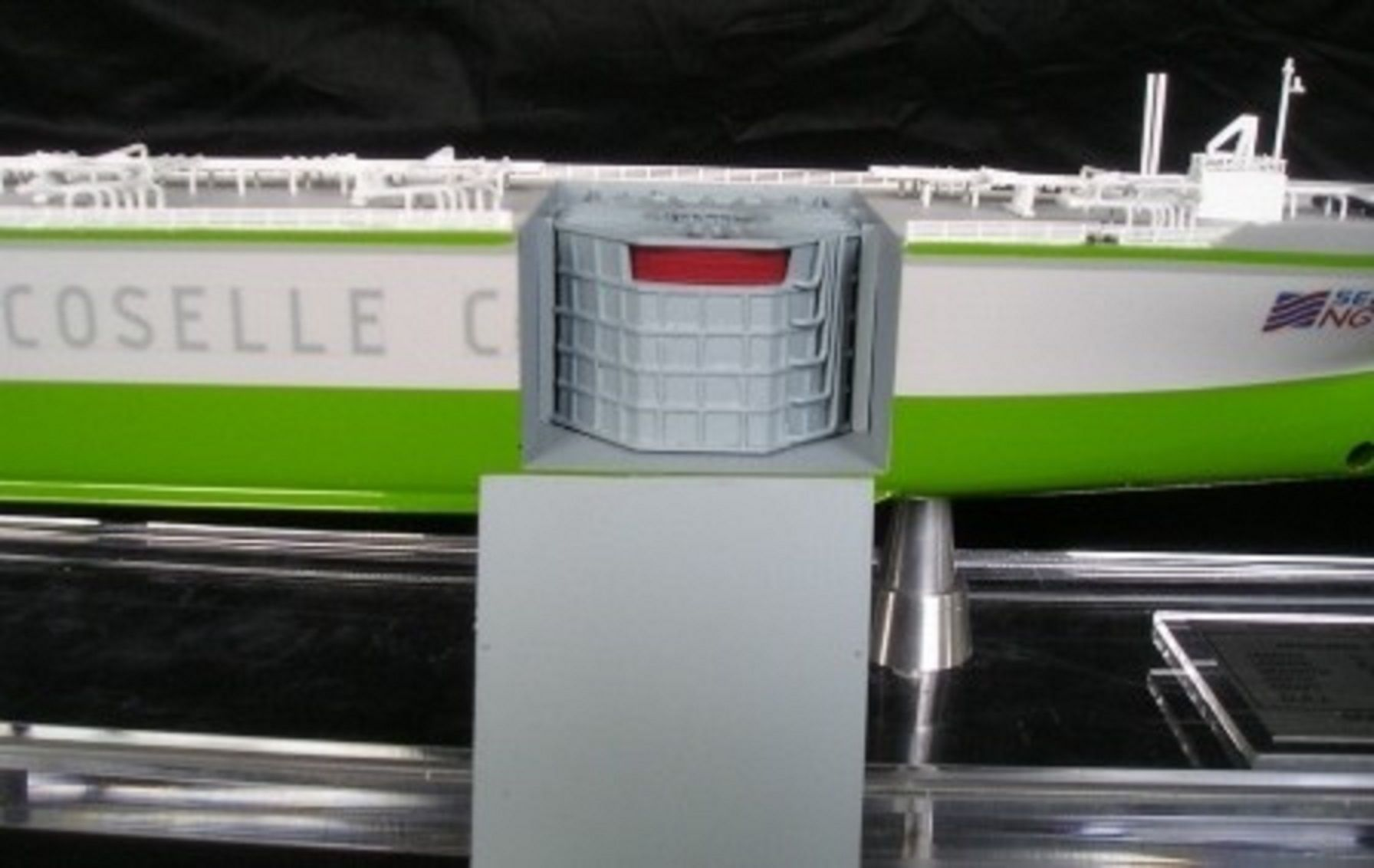 1227-6676-CNG-Open-Hull-model-in-Display-case