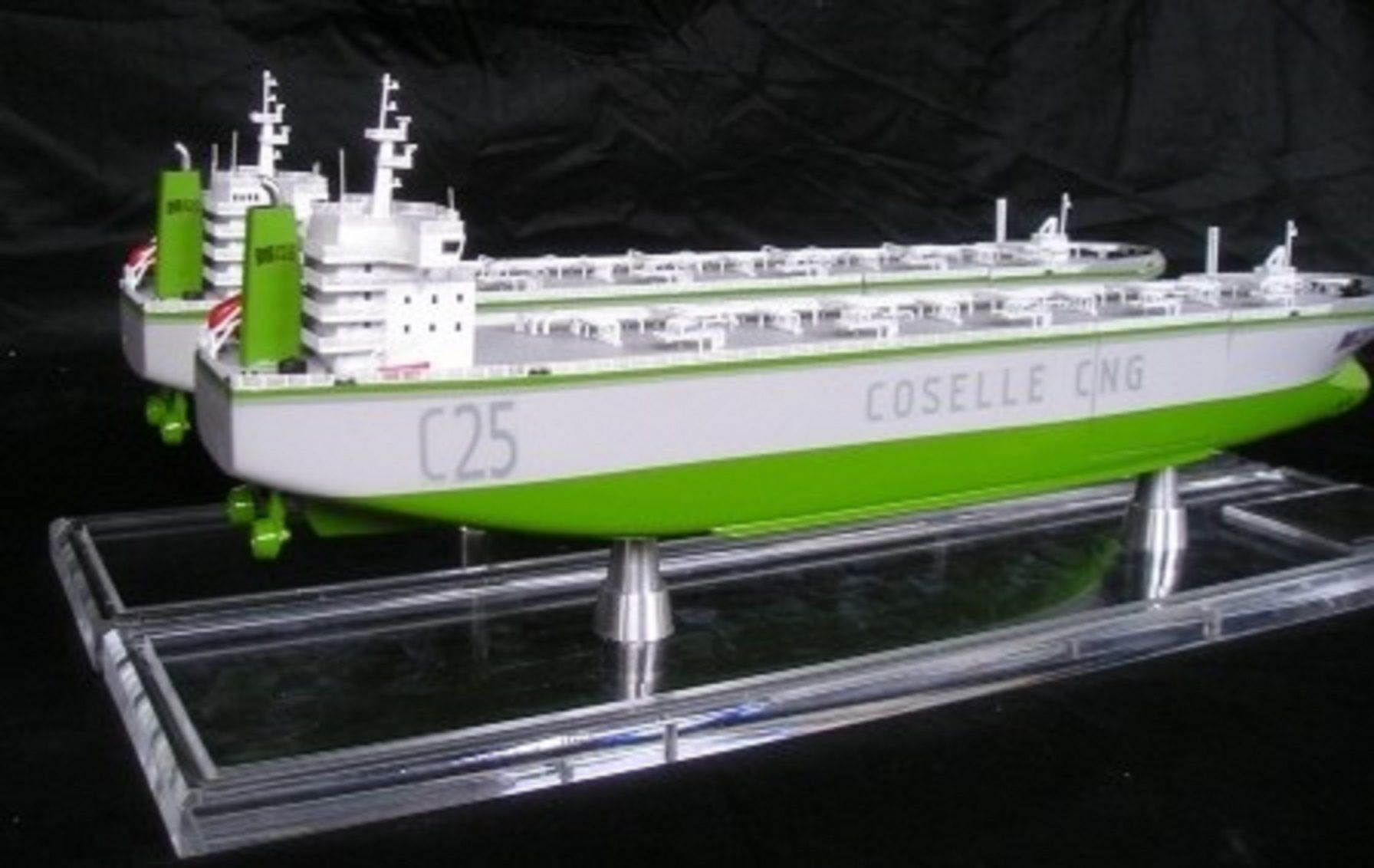 1227-6677-CNG-Open-Hull-model-in-Display-case
