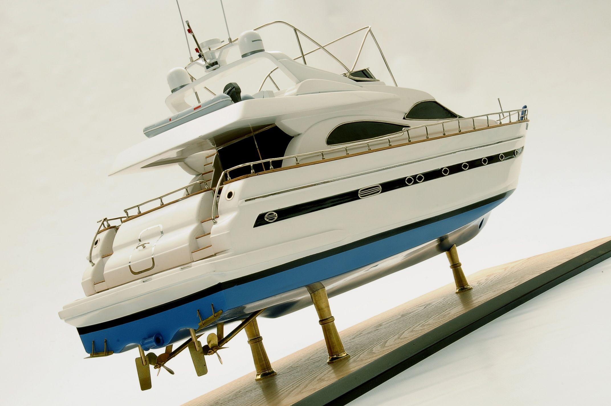 1236-6357-Astondoa-72-GLX-Motor-Yacht-Premier-Range