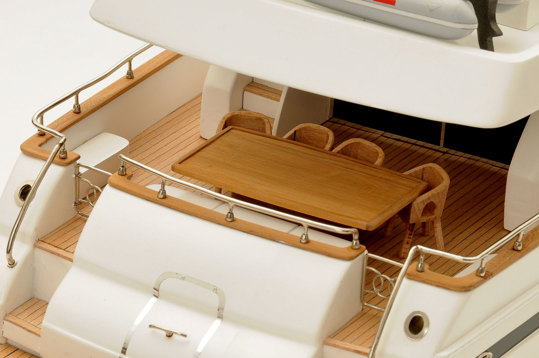 1236-6359-Astondoa-72-GLX-Motor-Yacht-Premier-Range