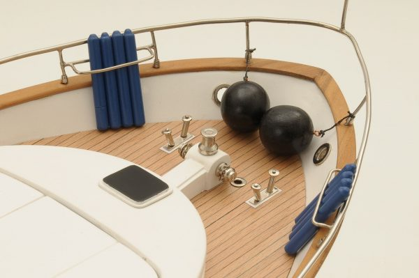 1236-6361-Astondoa-72-GLX-Motor-Yacht-Premier-Range