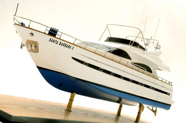 1236-6363-Astondoa-72-GLX-Motor-Yacht-Premier-Range