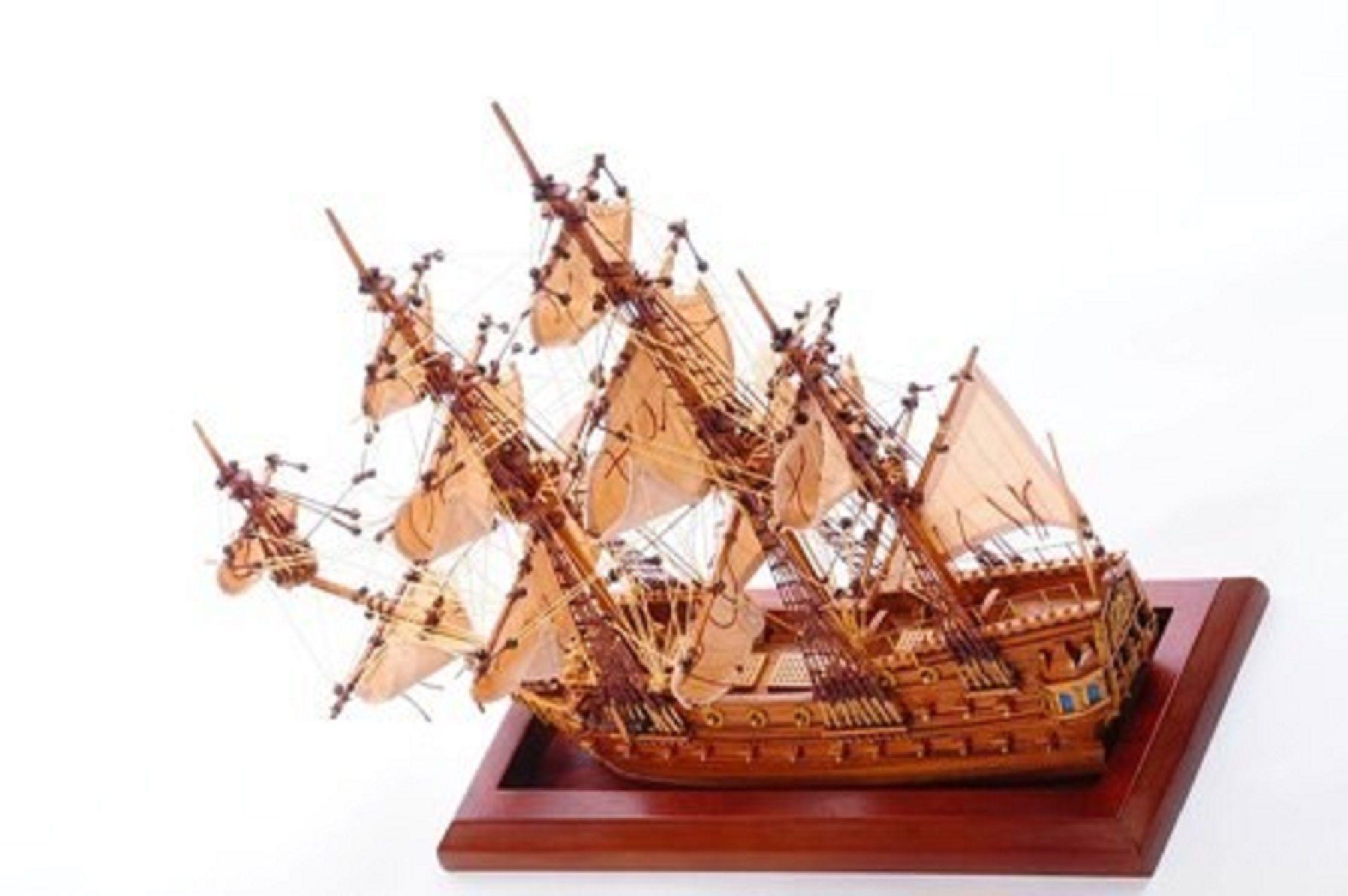 Bristol Waterline Model Ship (Premier Range) - PSM