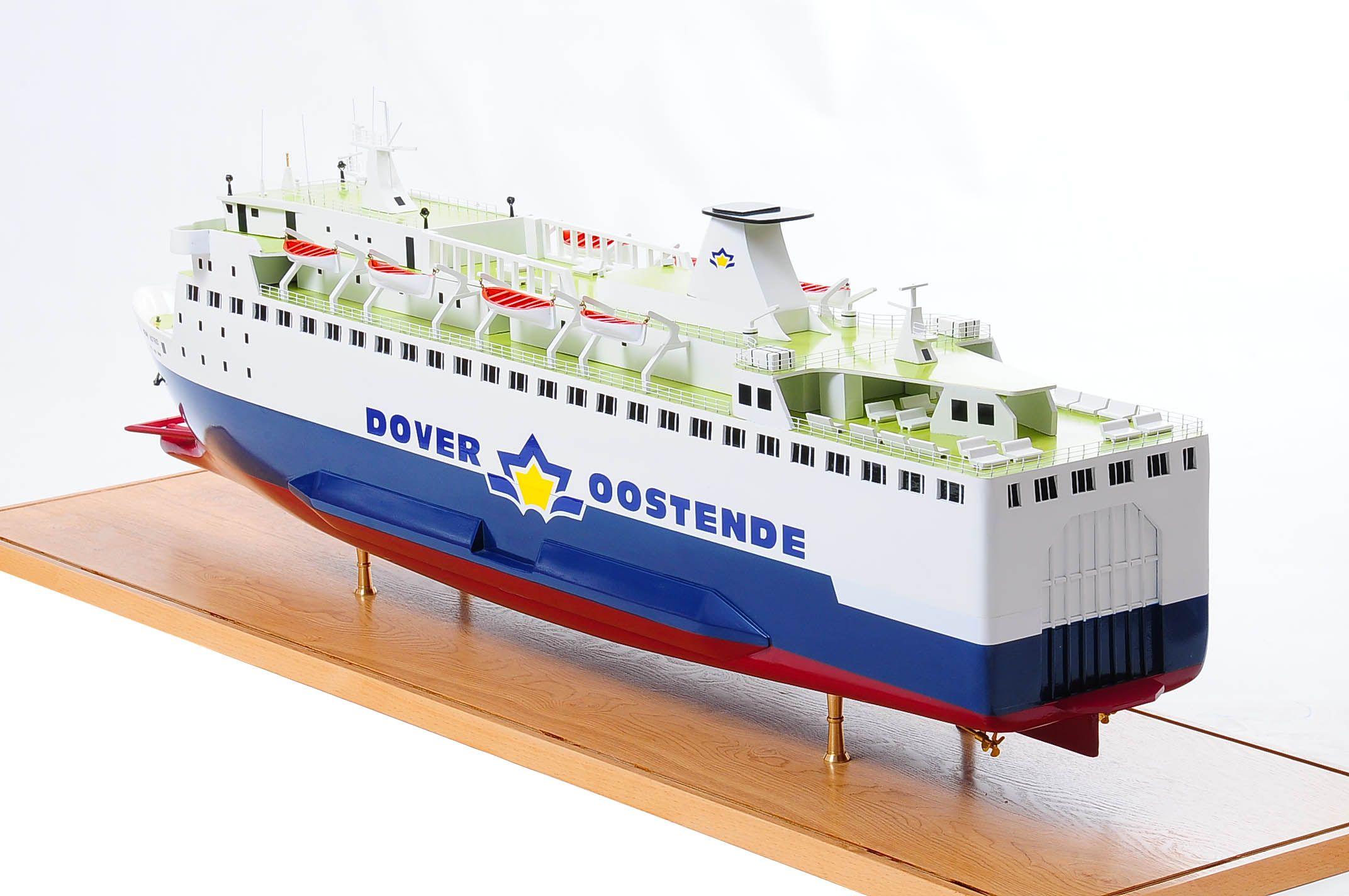 1255-5871-Pride-DOuvre-ship