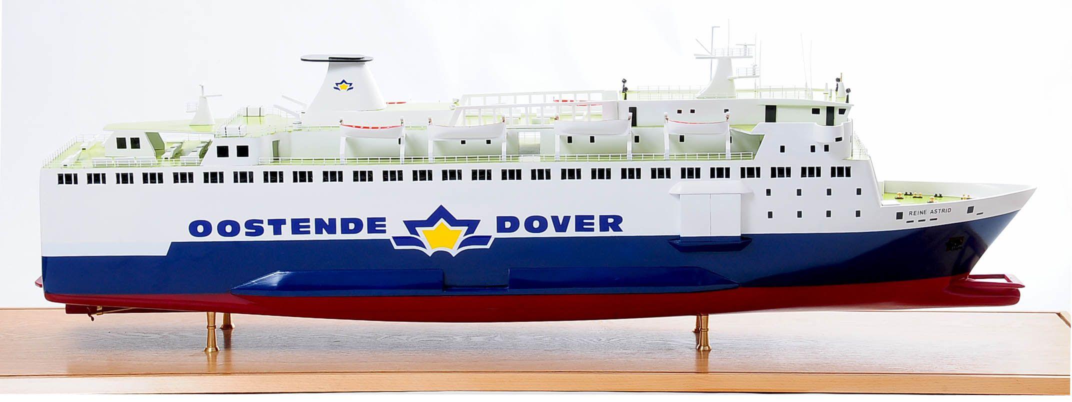 1255-5873-Pride-DOuvre-ship
