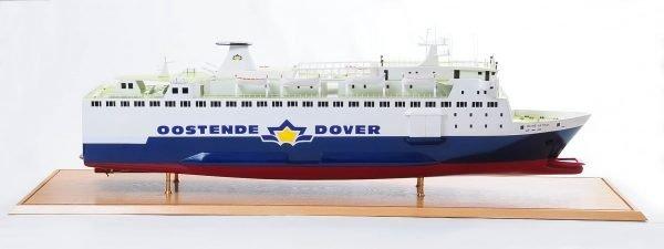 1255-5874-Pride-DOuvre-ship