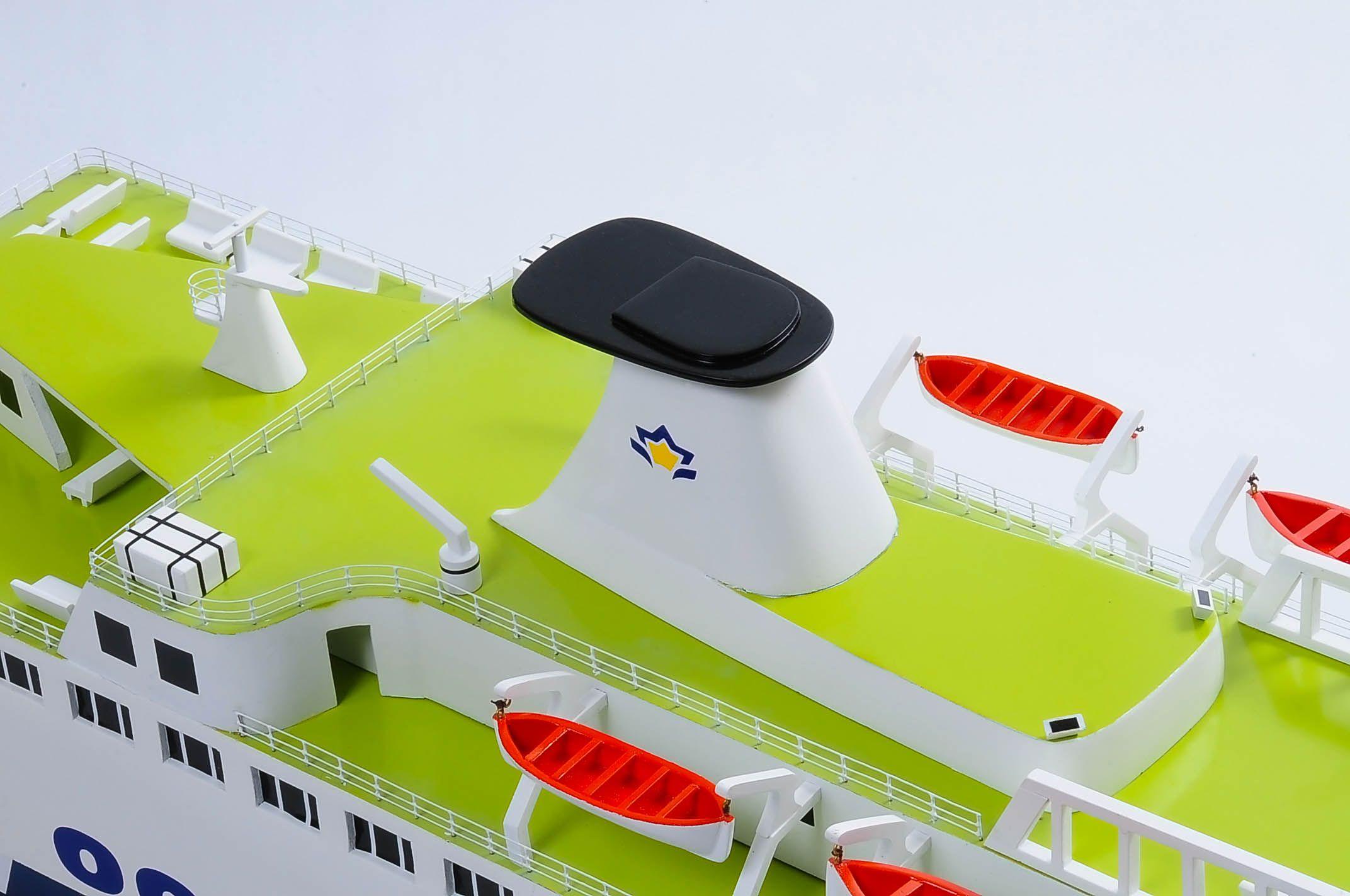 1255-5878-Pride-DOuvre-ship
