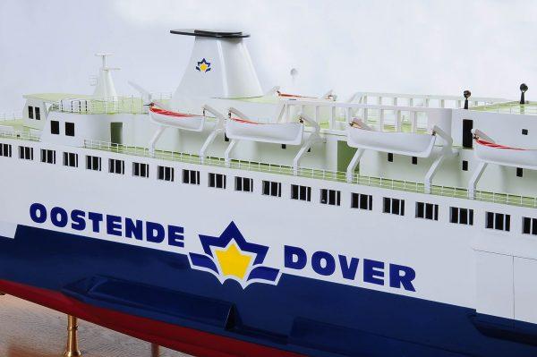 1255-5881-Pride-DOuvre-ship