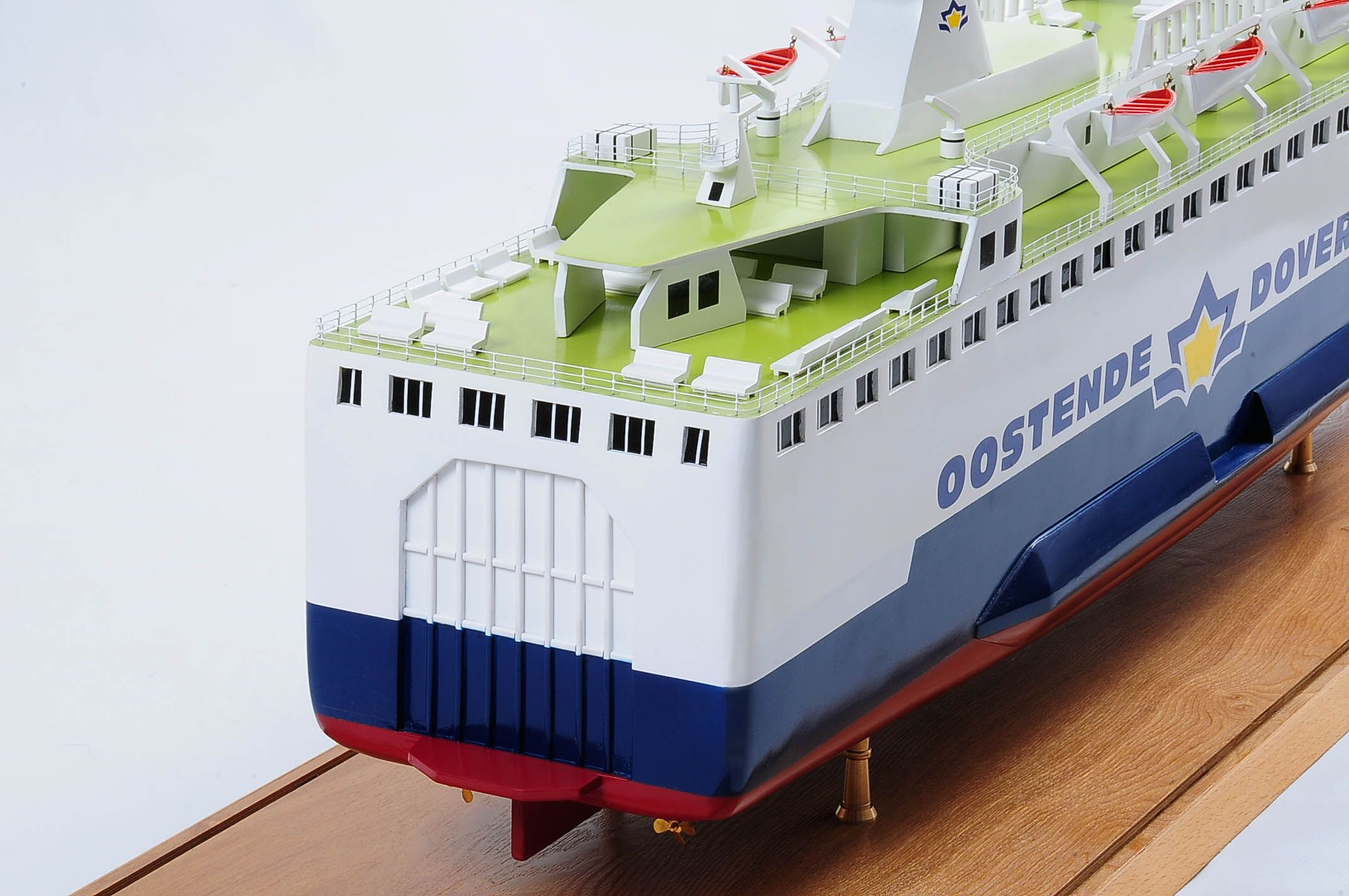 1255-5886-Pride-DOuvre-ship