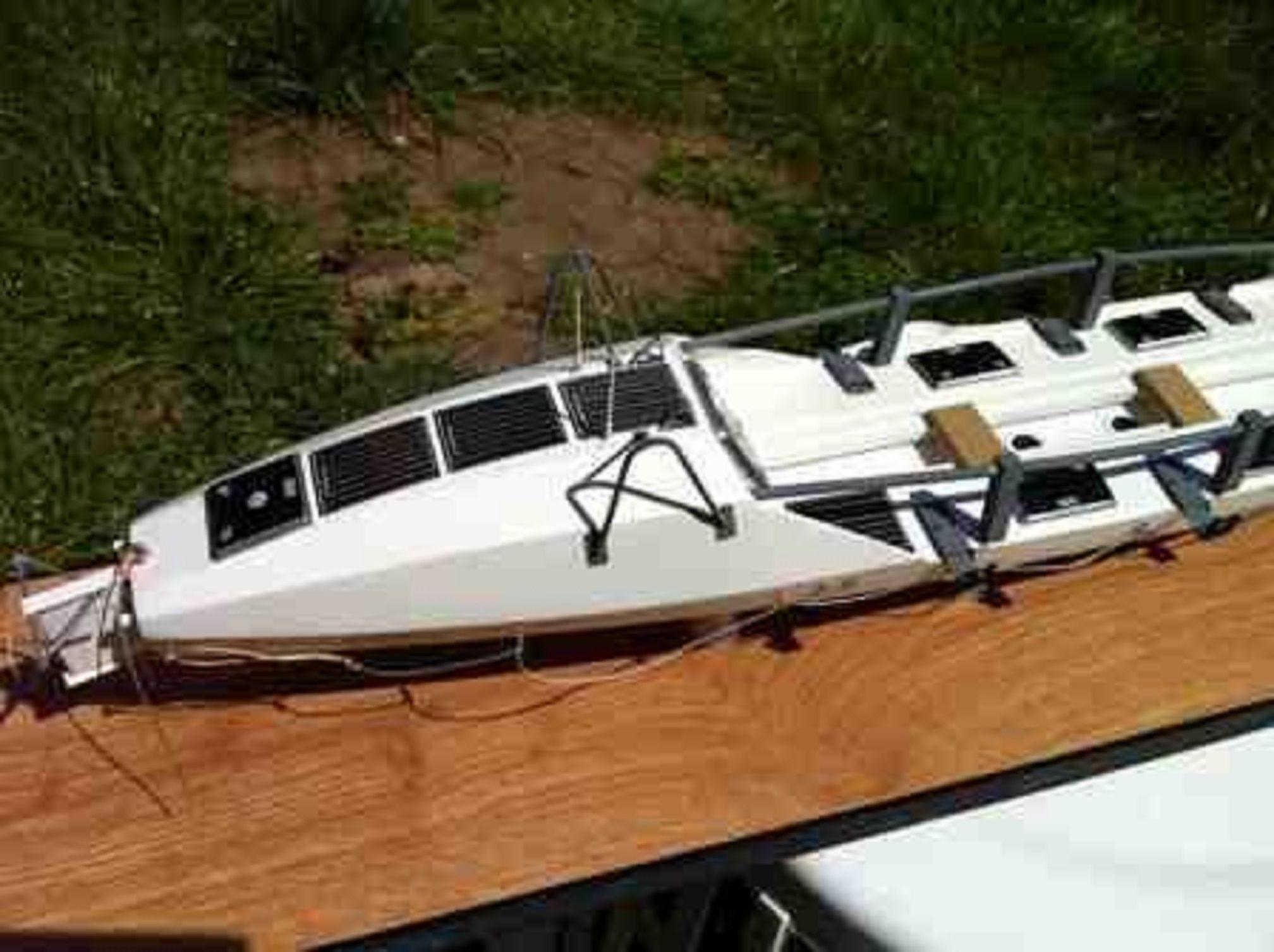 1262-7057-Ocean-Rowing-Boat-Large