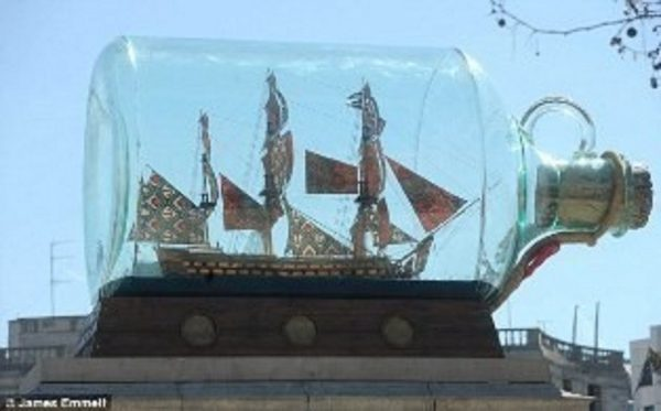 1291-7423-HMS-Victory-Bicentennial-Model-in-a-Bottle-Premier-Range