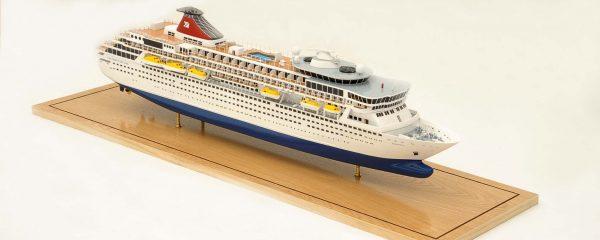 1292-6402-Balmoral-Cruise-Liner