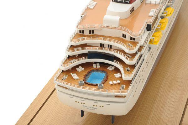 1292-6405-Balmoral-Cruise-Liner