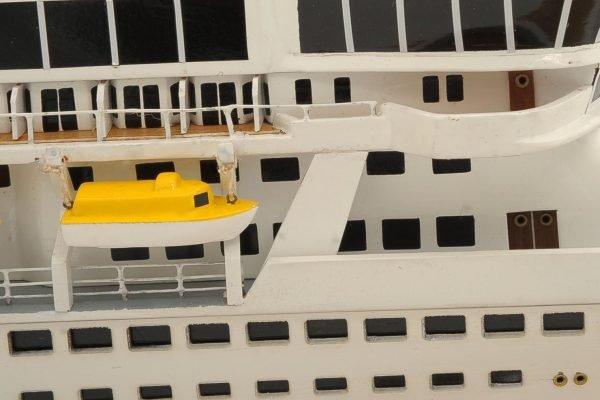 1292-6416-Balmoral-Cruise-Liner