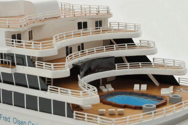 1292-6419-Balmoral-Cruise-Liner