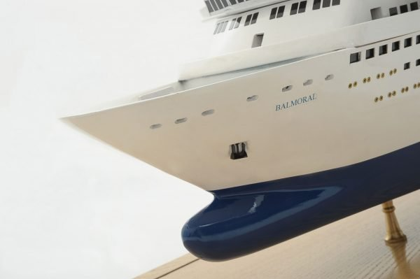 1292-6425-Balmoral-Cruise-Liner