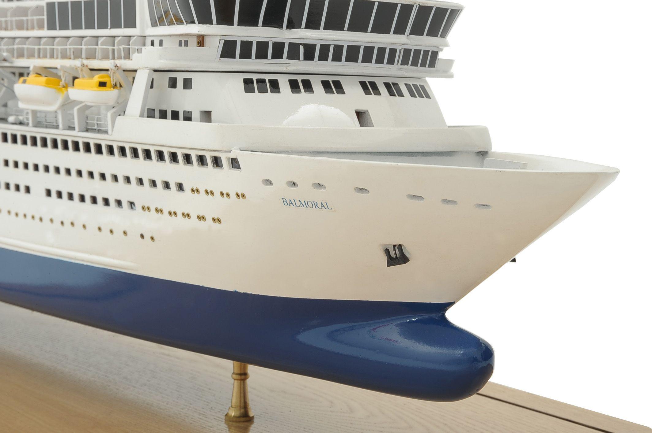 1292-6427-Balmoral-Cruise-Liner