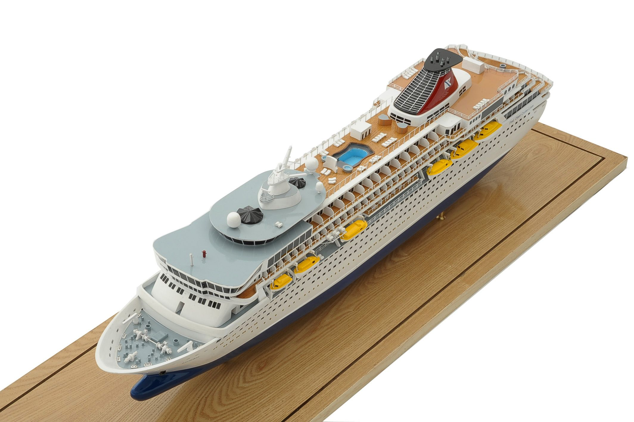 1292-6429-Balmoral-Cruise-Liner