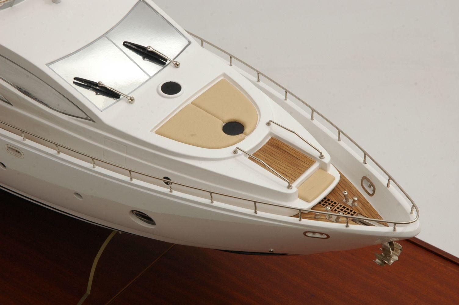 1333-6875-Aicon-Fly-85-Yacht-Premier-Range