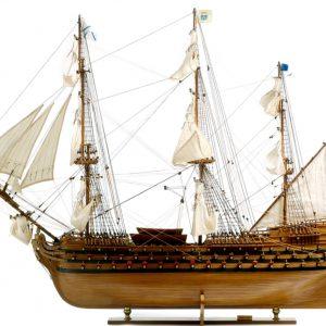 136-8557-Royal-Louis-Model-Ship-Superior-Range