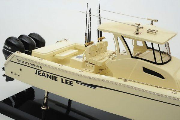 1390-8707-Grady-366-Yacht