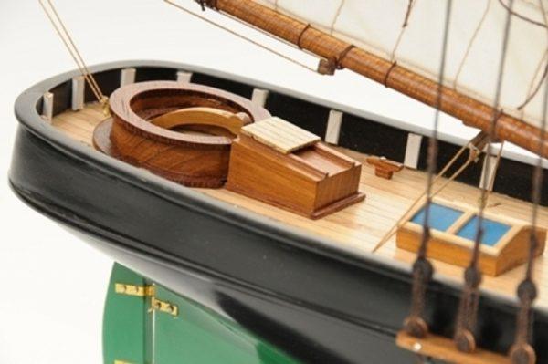 1419-7764-America-Model-Yacht-Superior-Range