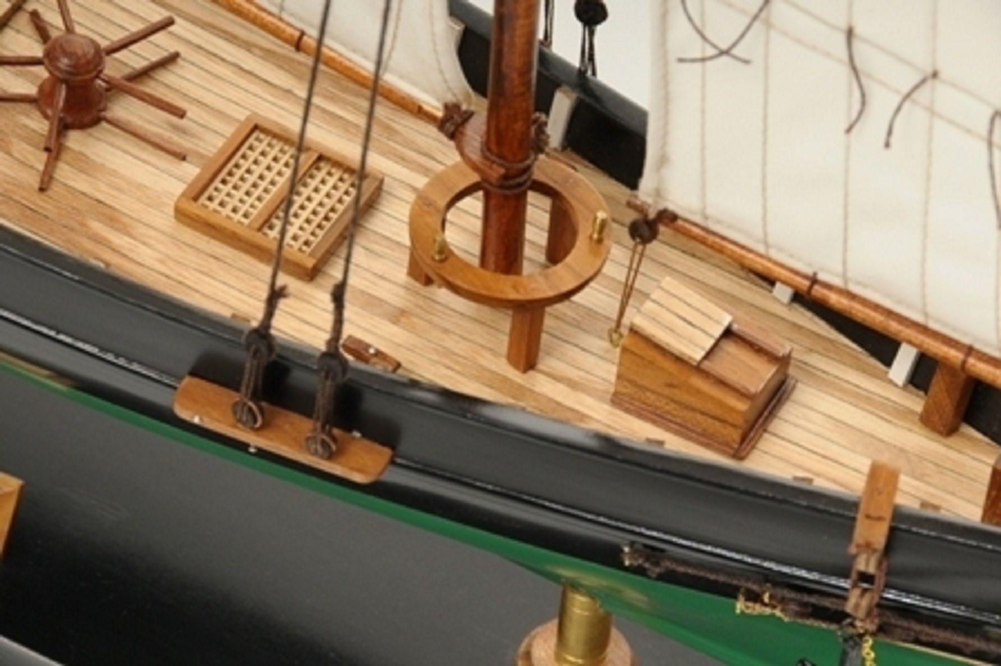 1419-7766-America-Model-Yacht-Superior-Range