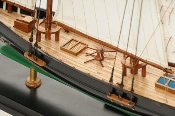 1419-7768-America-Model-Yacht-Superior-Range