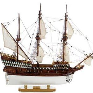 1423-3524-Golden-Hind-Ship-Model-Superior-Range