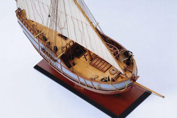 1429-6020-La-Nina-Model-Boat-Superior-Range