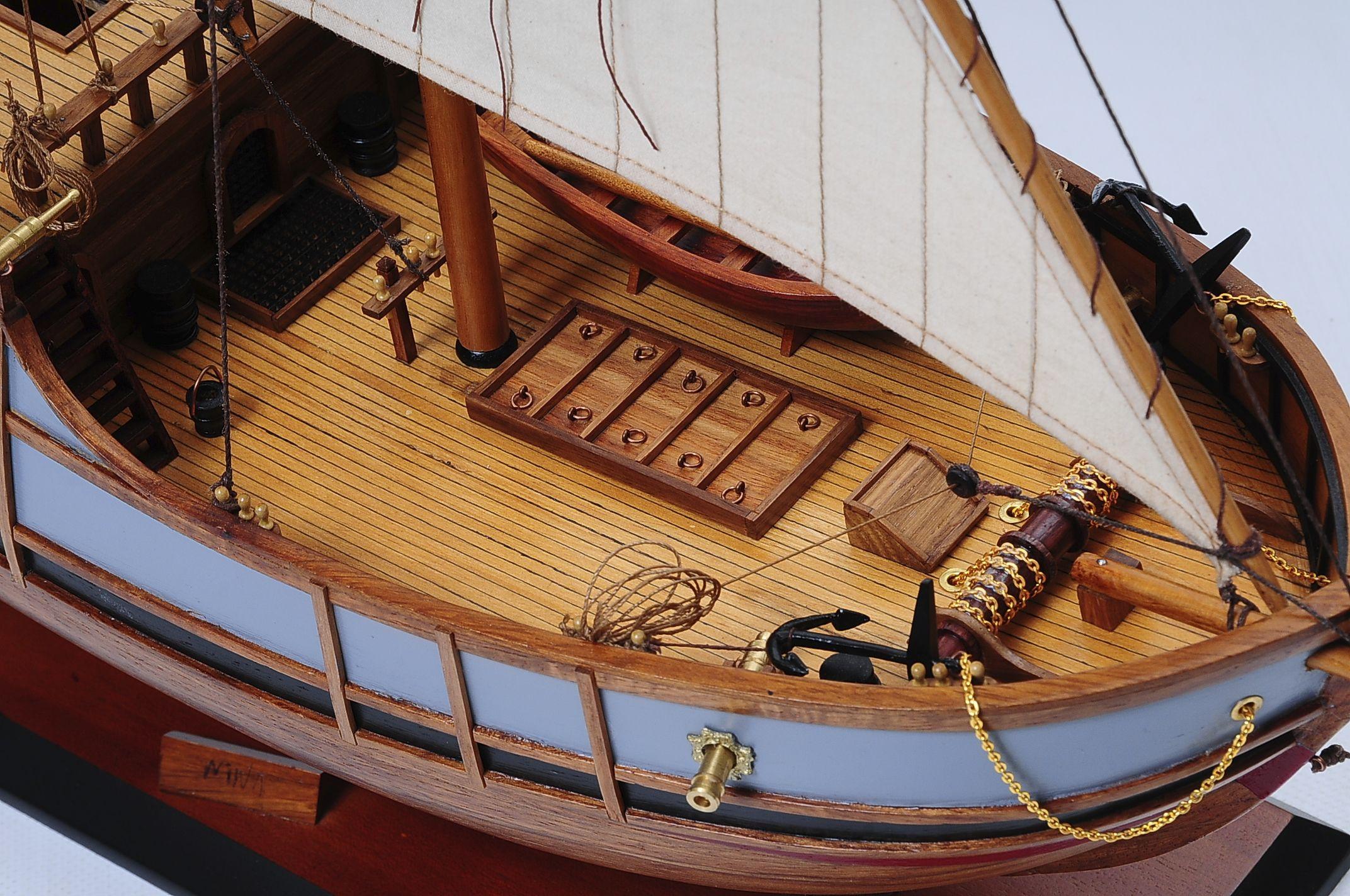 1429-6022-La-Nina-Model-Boat-Superior-Range