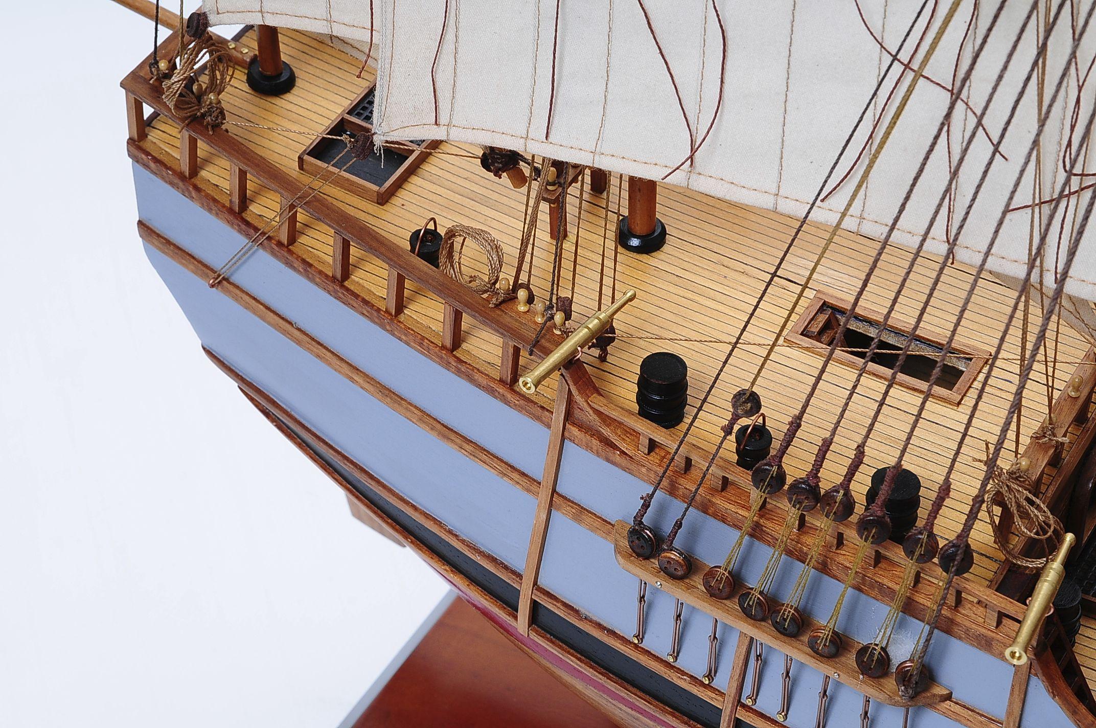 1429-6023-La-Nina-Model-Boat-Superior-Range