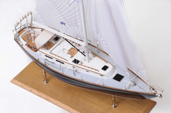 1438-4710-Indigo-Moth-Model-Yacht