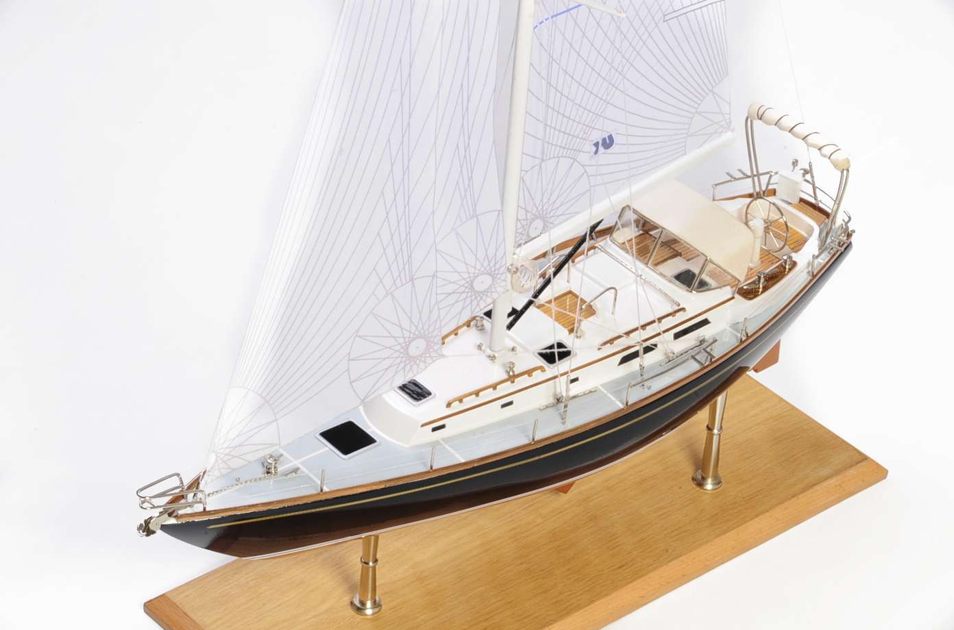 1438-4712-Indigo-Moth-Model-Yacht