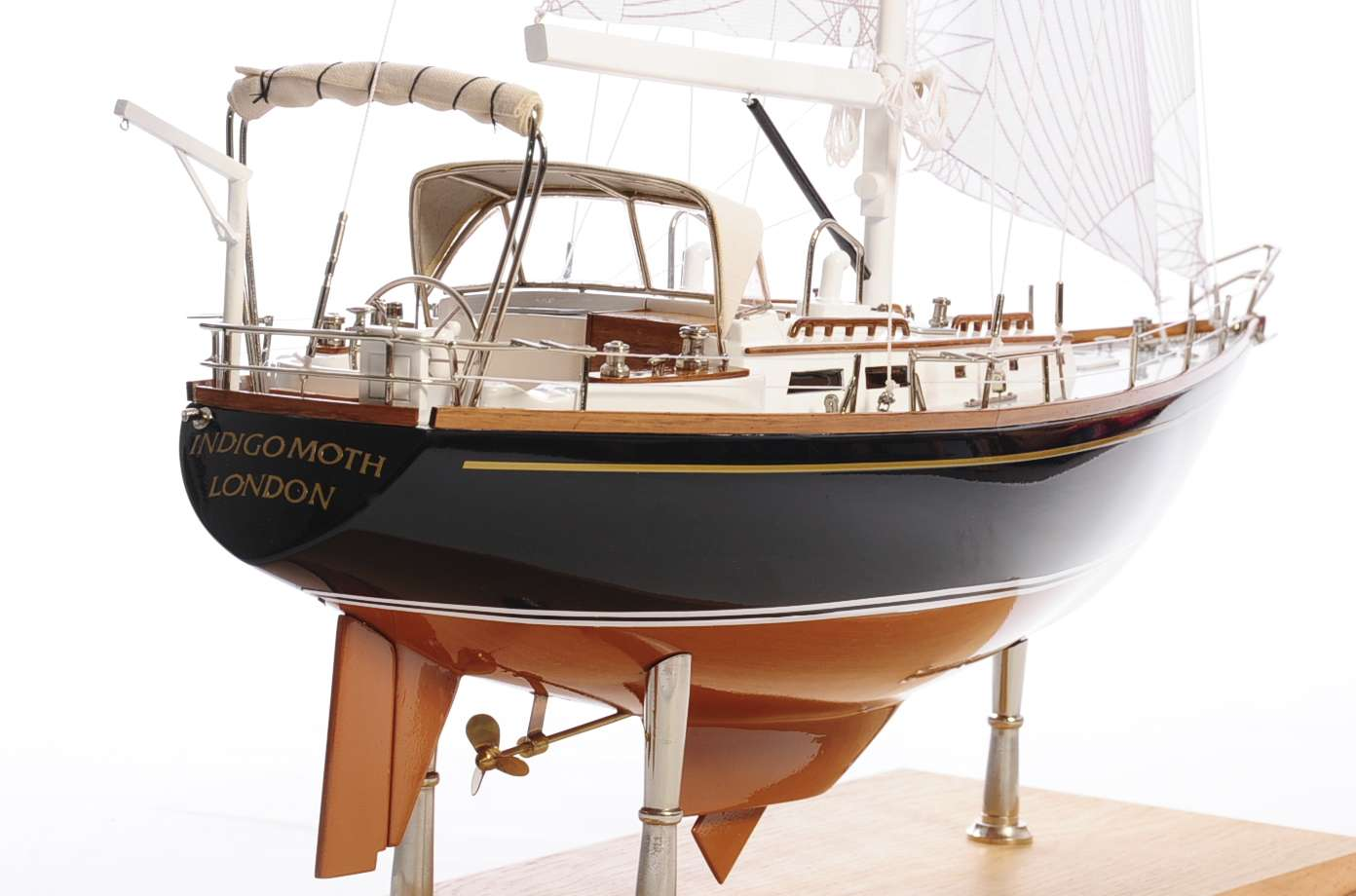 1438-4720-Indigo-Moth-Model-Yacht