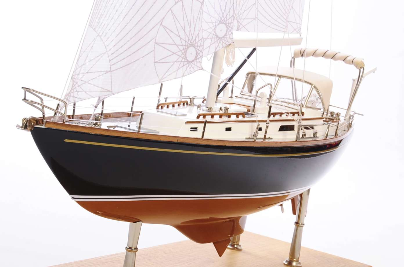 1438-4725-Indigo-Moth-Model-Yacht