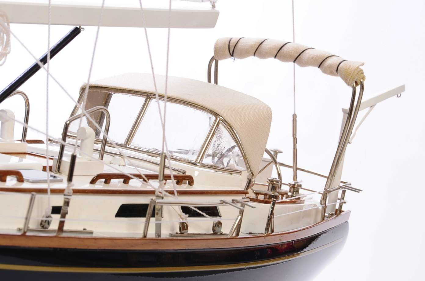 1438-4728-Indigo-Moth-Model-Yacht